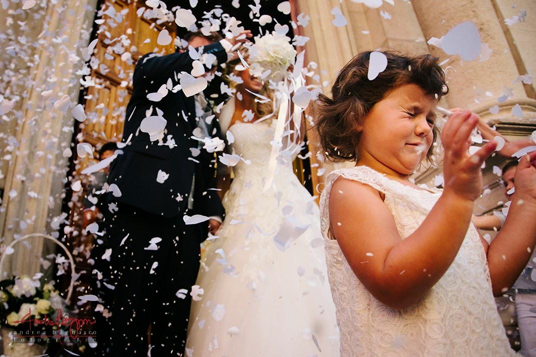 uscita sposi dalla chiesa e lancio di riso matrimonio Varazze