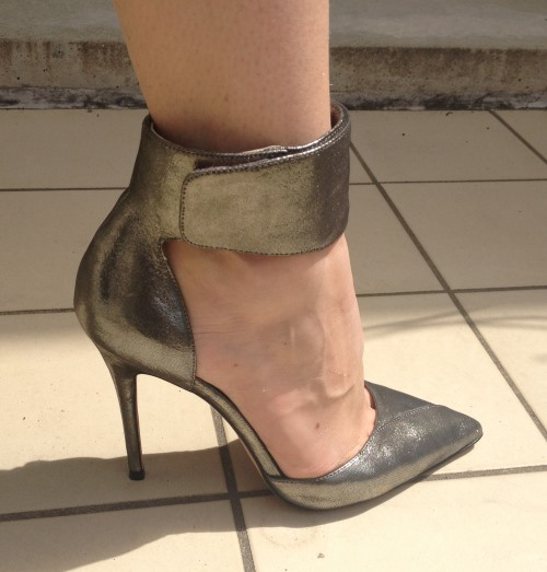 test pour vous chaussures de luxe en vente priv e tendance. Black Bedroom Furniture Sets. Home Design Ideas