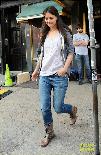 katie-holmes-filming-new-movie-with-spik