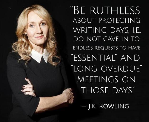 Na imagem: Uma foto da JK Rowling de braços cruzados olhando pra câmera com a frase dela escrita ao lado (tradução a seguir)