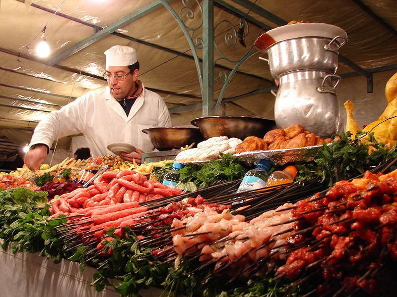keuken ligt tussen de mediteraane keukens en de afrikaanse keukens ...