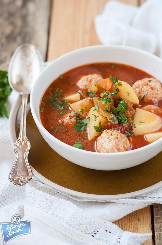 Zupa z pulpetami drobiowymi