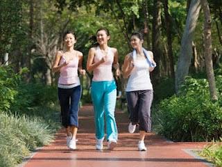 Jogging Pagi Bikin Gemuk, Benarkah? Ini Tips Jogging Agar Tidak Gemuk