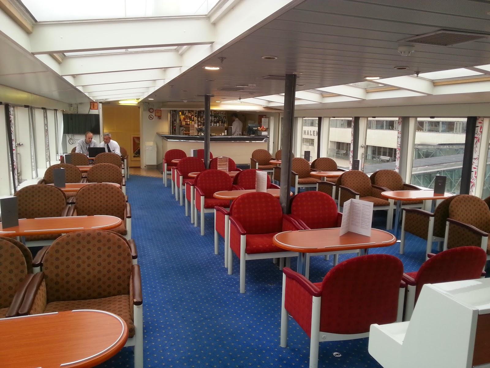 Hurtigruten MS Vesterålen - Fyret Panorama Lounge