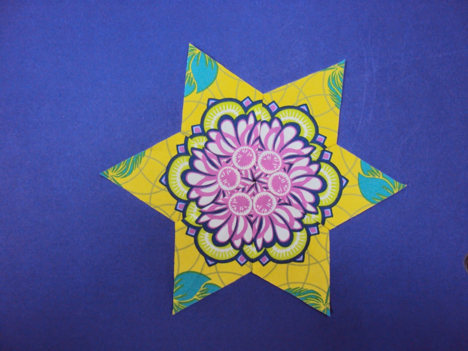 Quiltsmith australia fussy cut friday 11 for Star fabric australia