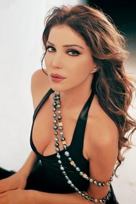 satu dari 10 Wanita Paling Cantik dan Seksi di Timur Tengah