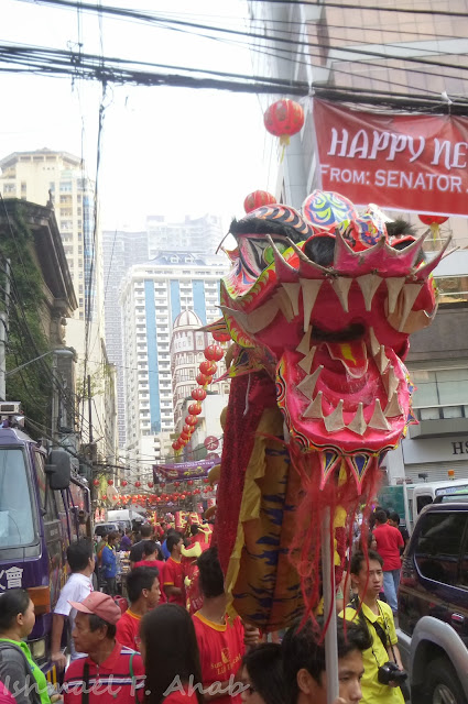 Binondo Chinatown 2014 Chinese New Year - dragon dancers