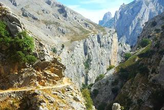 ruta del Cares, tramo ascendente tras Culiembro