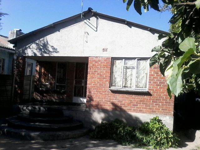 Terezim fortress properties chitungwiza unit l house for sale for Kitchen units for sale in harare