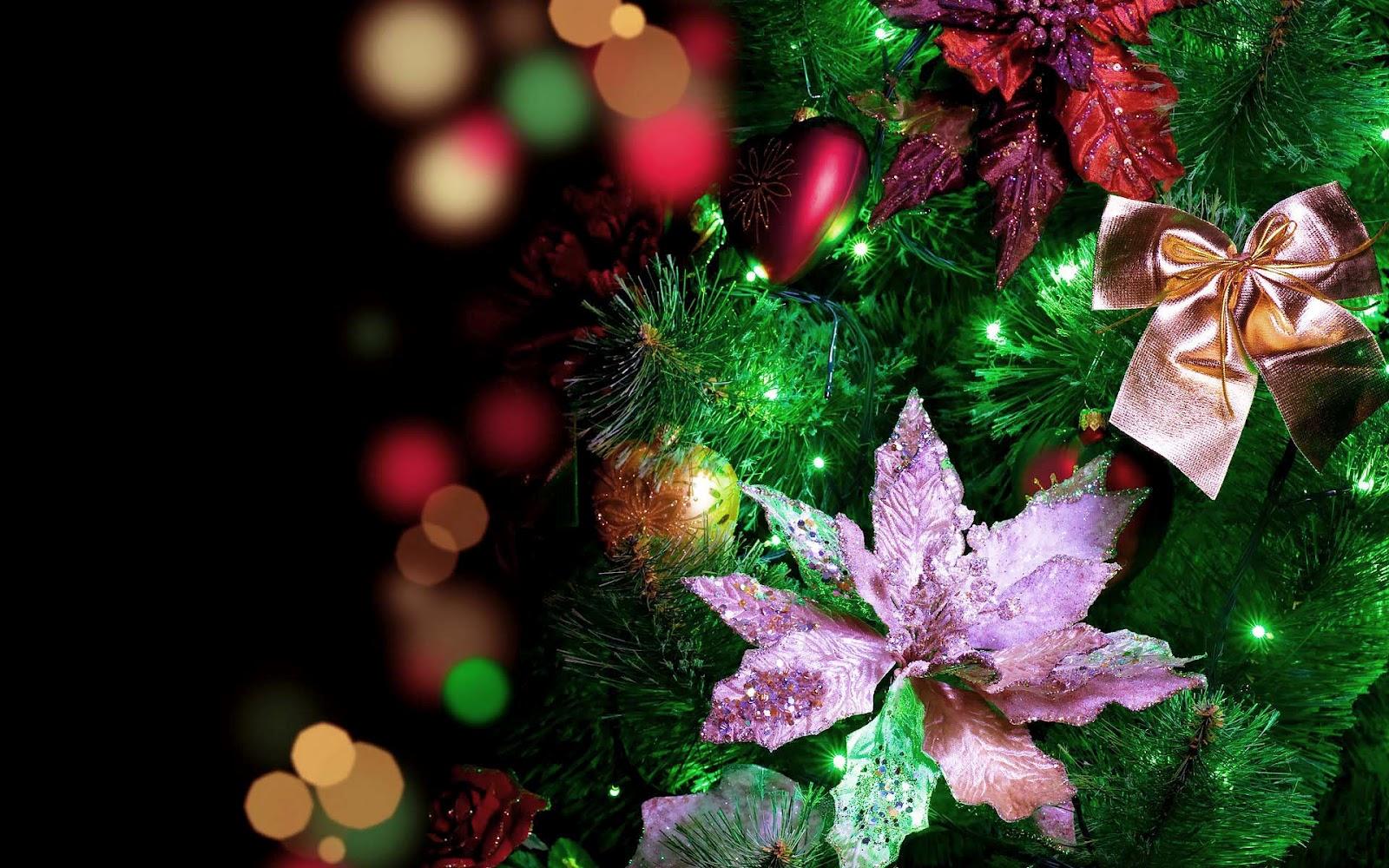 Een verlichte kerstboom wallpaper | Mooie Leuke Achtergronden Voor ...