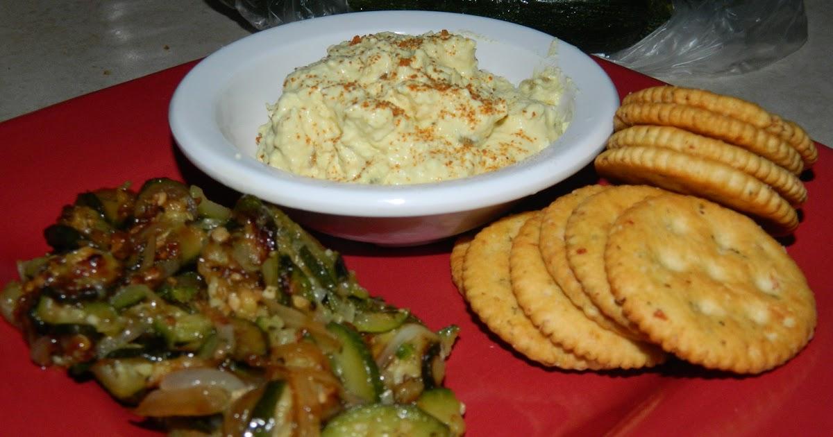 """Chubby Vegan Mom: Easy peasy """"egg"""" salad that doesn't taste lik..."""