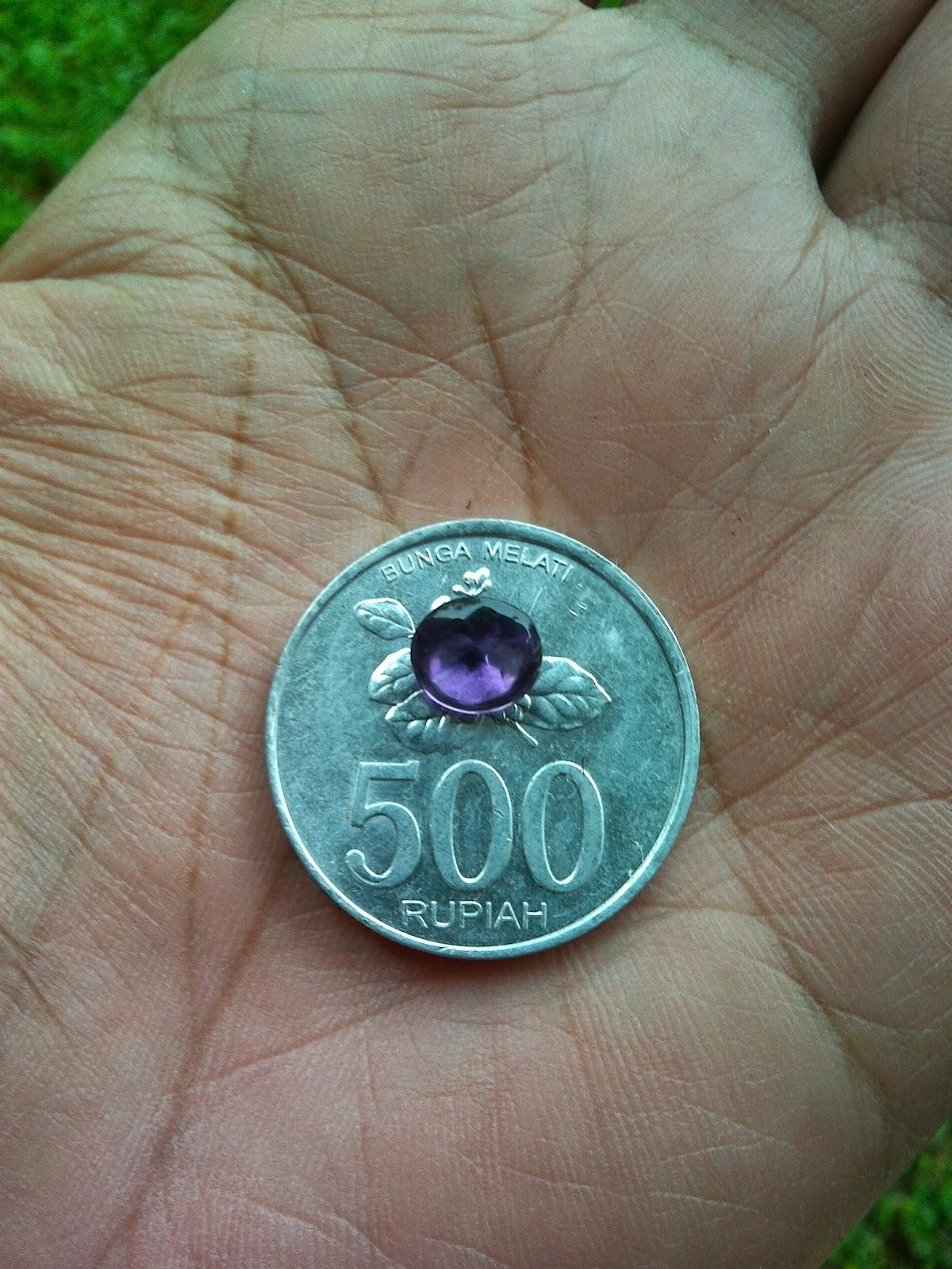 Batu permata kecubung ungu