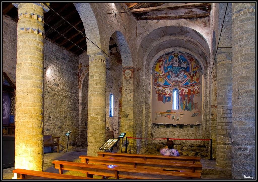 Did ctica de las ciencias sociales geograf a e historia for Interior iglesia romanica