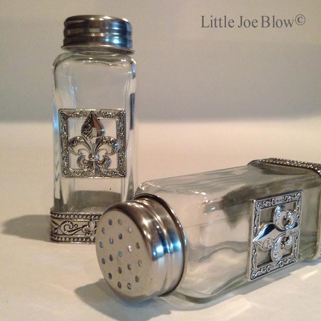 Fleur De Lis Salt and Pepper Shakers by Ganz photo 4
