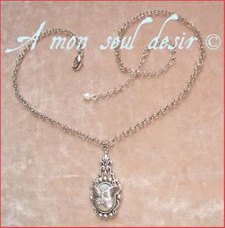 collier elfique blanc opale papillon mariage féerique fée elfe Arwen Galadriel bijou elven fairy white opal necklace