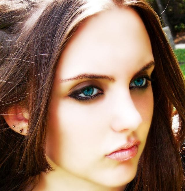 best hair color for blue eyes and medium skin