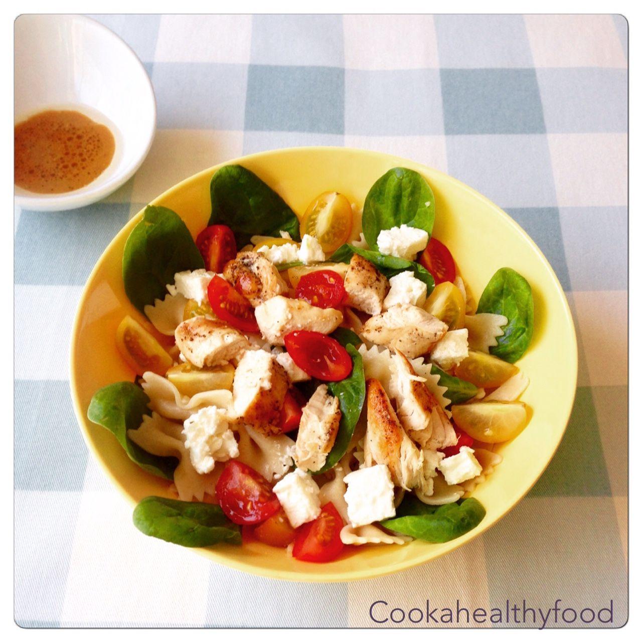 Cook a healthy food salade de p tes au poulet tomate feta et pinard - Salade de tomates simple ...