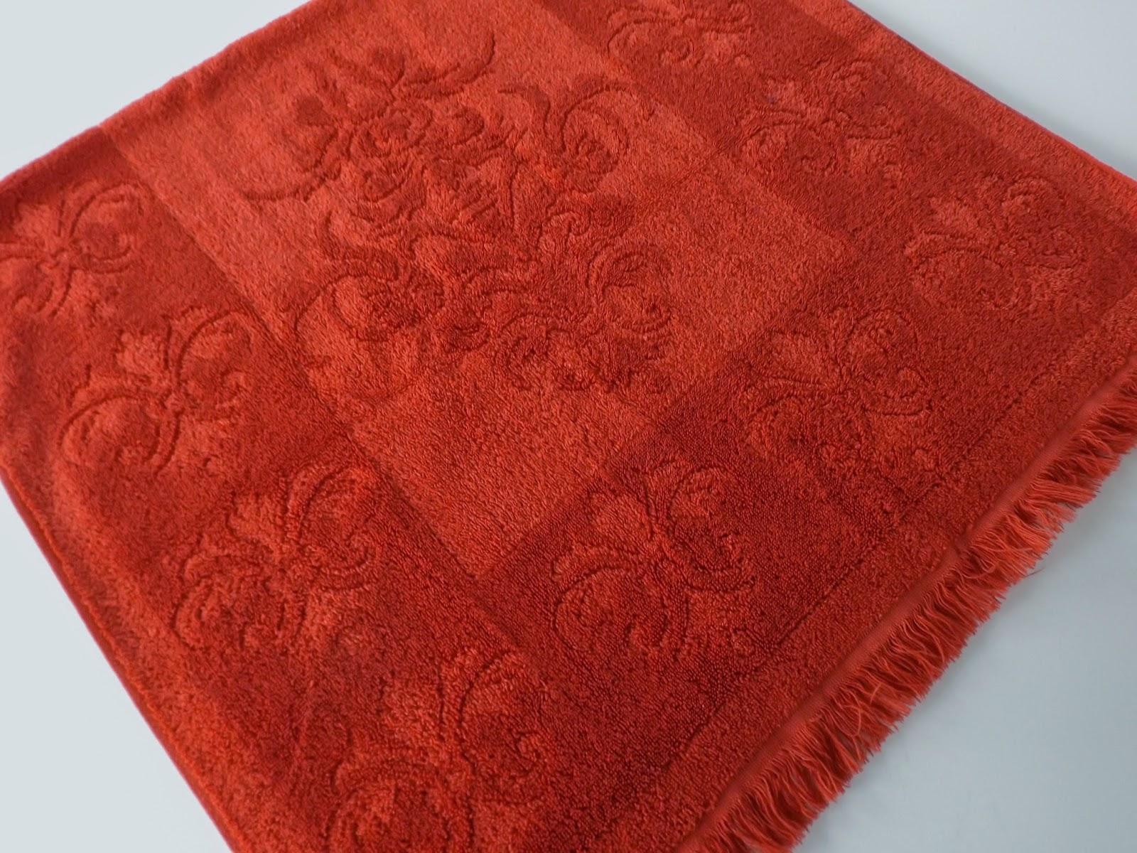 Still stunning vintage resale vintage bath towels fieldcrest imperial collection fleur de - Fleur de lis bath towels ...