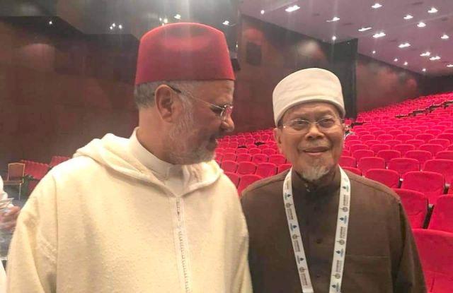 PENASIHAT AMANAH DATUK SERI AHMAD AWANG  BERSAMA PRESIDEN BARU KESATUAN ULAMAK ISLAM SEDUNIA