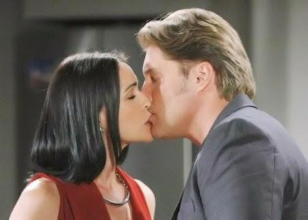 Quinn e Deacon insieme