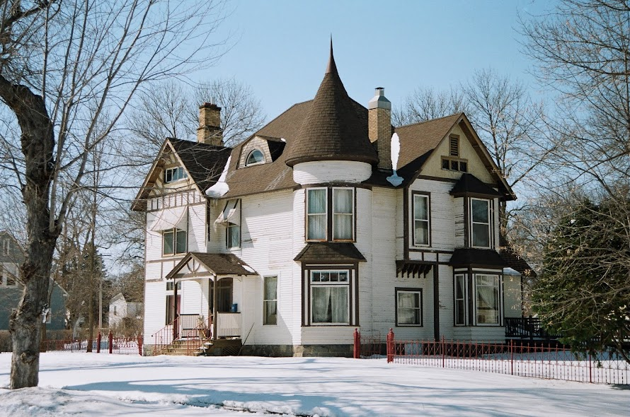 Many old houses were built like forts - morris mn
