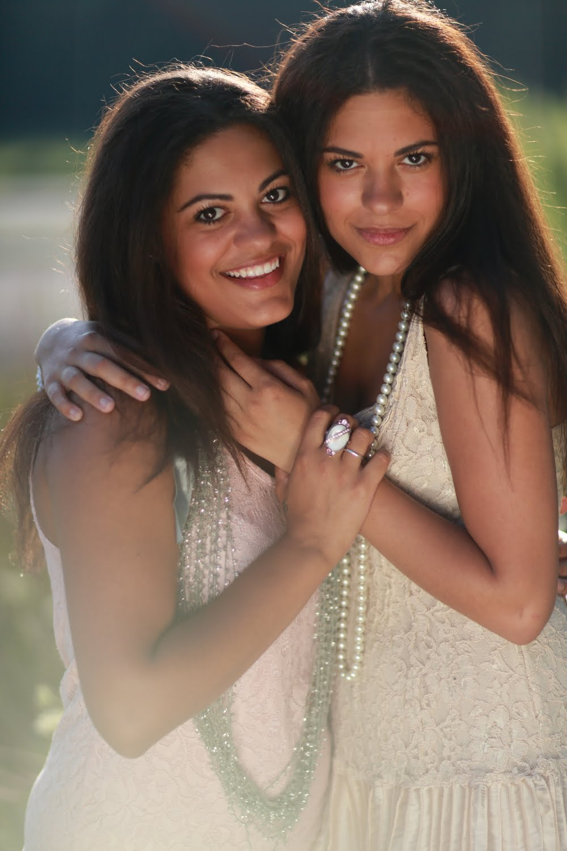 Bloggers: Danielle & Elissa
