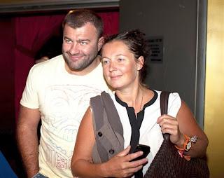фото михаил пореченков с женой