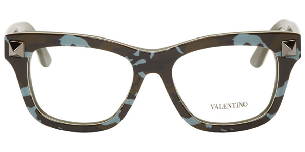 while surfing on ssense i discovered this pair of eyeglass frame i love the camo pattern on it and the studs at the front add a nice rock vibe to the