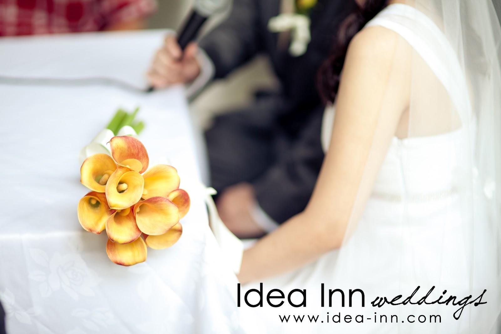 wedding hand bouquets orange calla lilies