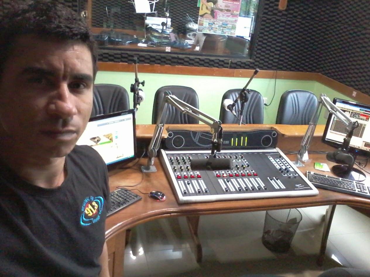 No Estúdio Principal da Rádio Regional 91.3 FM de Uruará