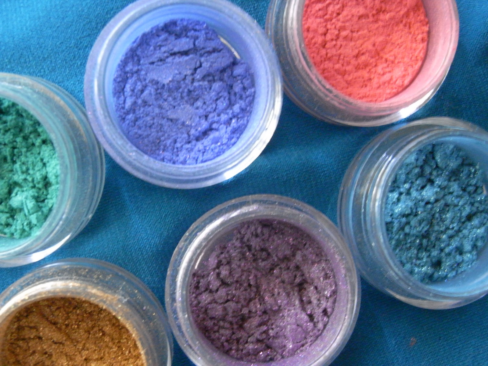 Inaz Cosmetics Are Known For Their Bold And Vibrant Colours And I Must  Admit, I Wasn't Disappointed!! :d These Pigments Are Beautiful To Use And  Very