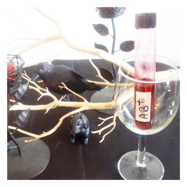 Fake blood tube, tablescape, eventsojudith, ab+