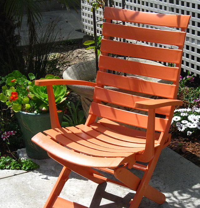 Sunset Coast: Painting Plastic Patio Furniture--a Trash To