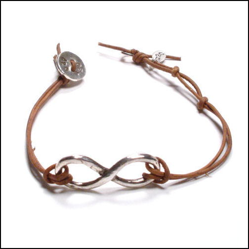 Infinity Bracelet Leather2