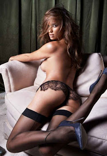 irina-hot-shayk-in-lingerie