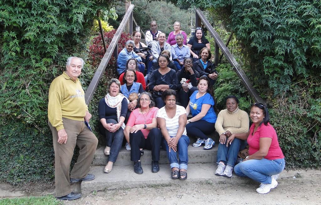 Visita das alunas do Curso de Alfabetização de Adultos promovido pela Secretaria dos Direitos da Mulher em parceria com o Sistema Firjan/RJ, à Fazenda Capril Genève, em Venda Nova