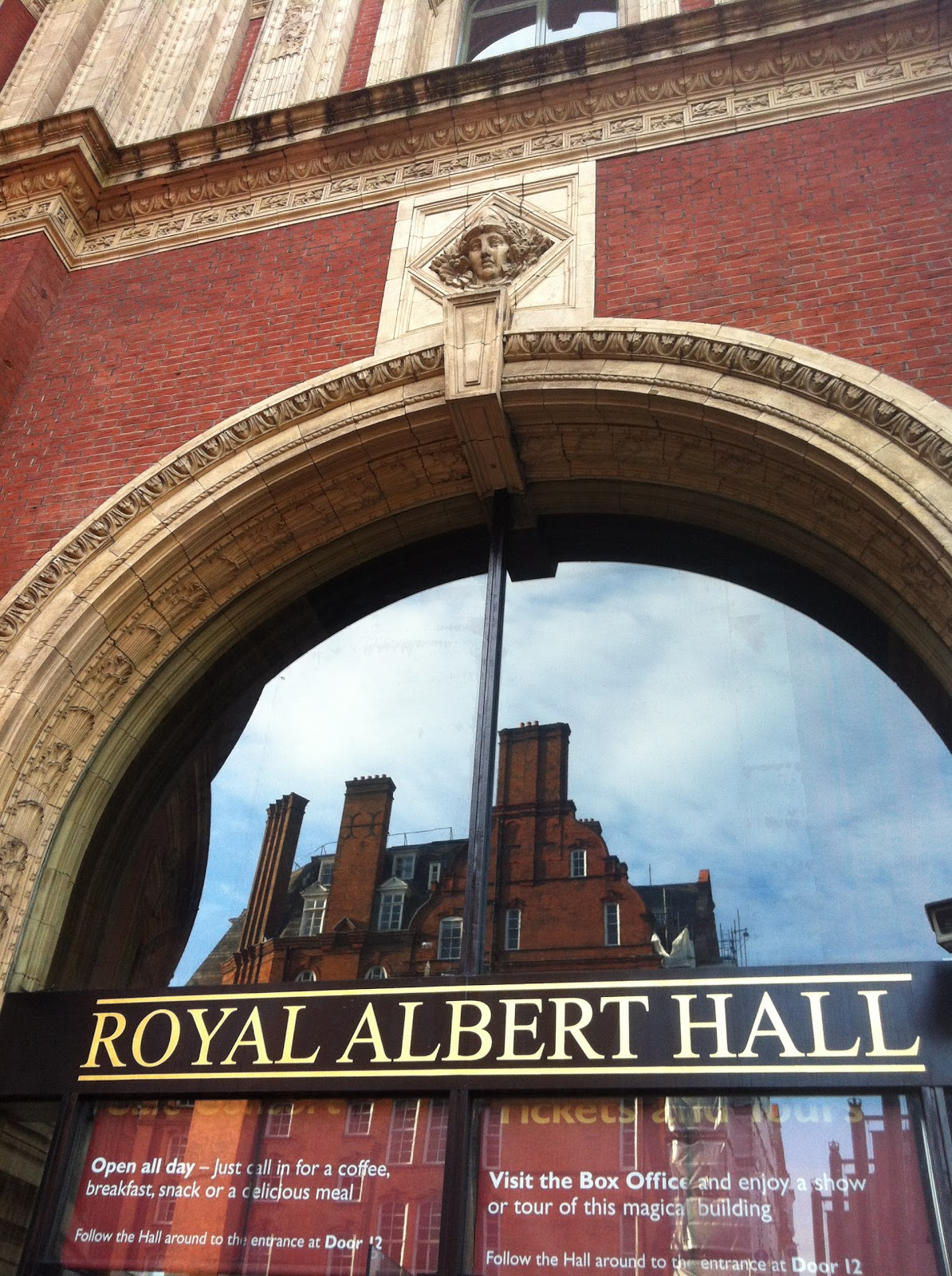 London girl about town masters tennis at the royal for Door 12 royal albert hall