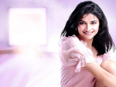 Prachi Desai sexy picture