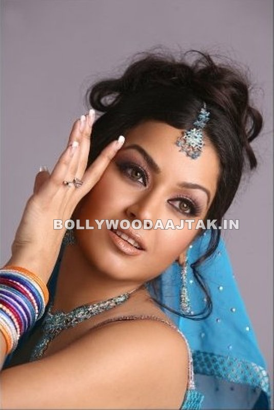 Maryam Zakaria hot pic - Maryam Zakaria Hot Pics