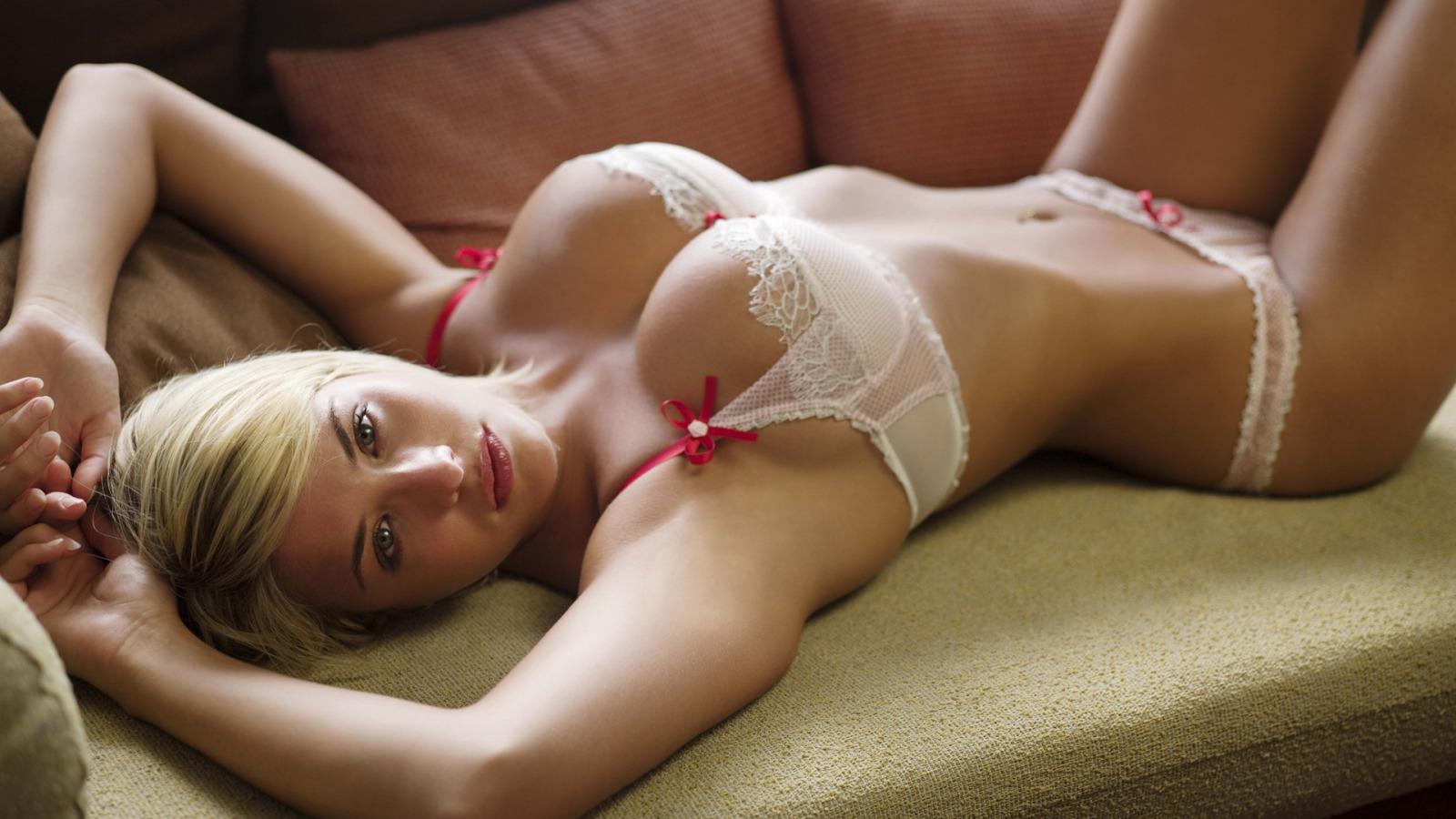http://3.bp.blogspot.com/-E55WCXTsEWI/T0jwgWW0X_I/AAAAAAAABkM/ugeHOCPQ31U/s1600/gemma_atkinson_sexy_lingerie_wallpaper_gemma_atkinson_babes_girls_wallpaper_1600_900_widescreen_706.jpg