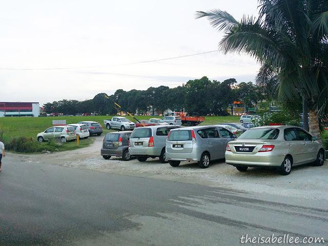 Restoran Yong Tau Fu @ Batu 14 Puchong parking