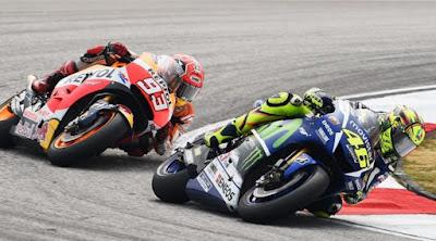 [Sports] Tendangan Rossi ke Marquez di MotoGP Sepang Sulit Dibuktikan