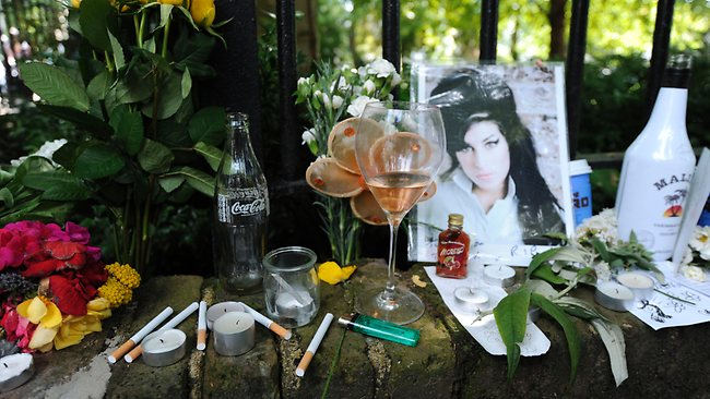 UK-celebrity-British-singer-notorious-drug-addict-Amy-Winehouse-death-autopsy-postmortem-funeral-2011-July