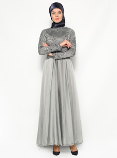Model terbaru gaun malam simpel elegan muslimah masa kini