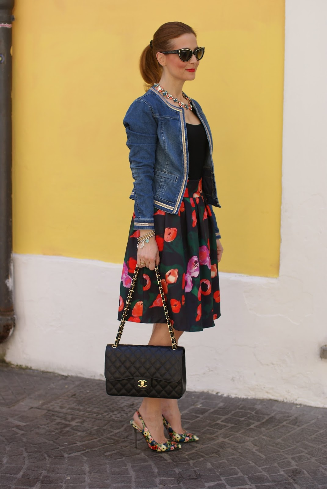 Chanel bag and foral pumps on Fashion and Cookies fashion blog, fashion blogger style