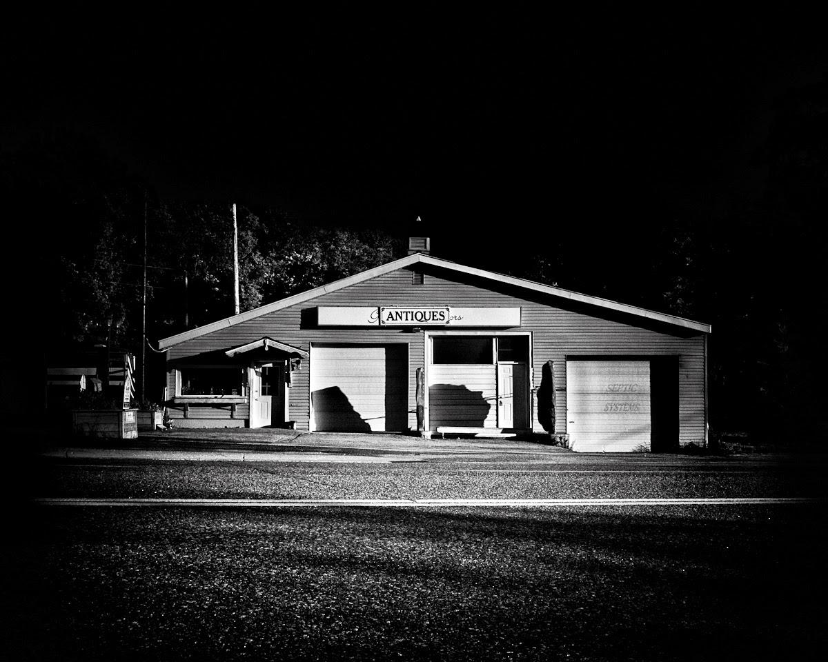 Roadside Antiques Shop in Torrance Ontario