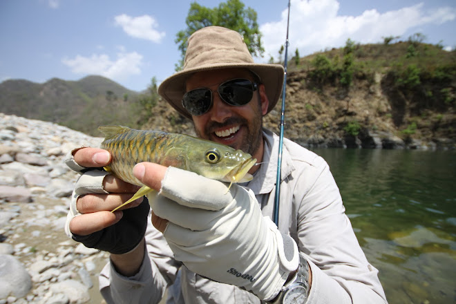 Himalayan Golden Mahseer On The Handmade Float, A real Challenge For Any Float Angler!