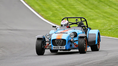 on track at Cadwell Park in my Caterham R500 Duratec