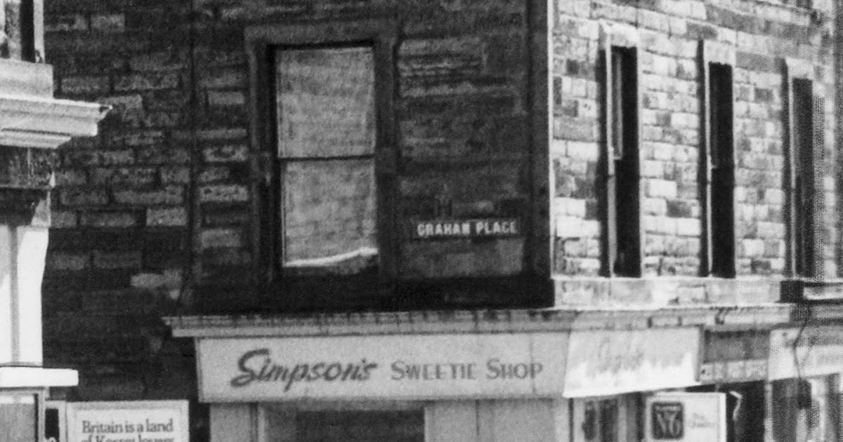 retro dundee simpson 39 s sweetie shop 1979. Black Bedroom Furniture Sets. Home Design Ideas