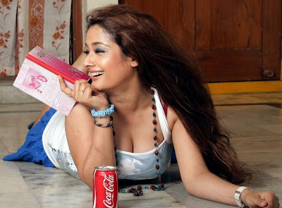 Kiran Rathod Hot in High School Movie Photos